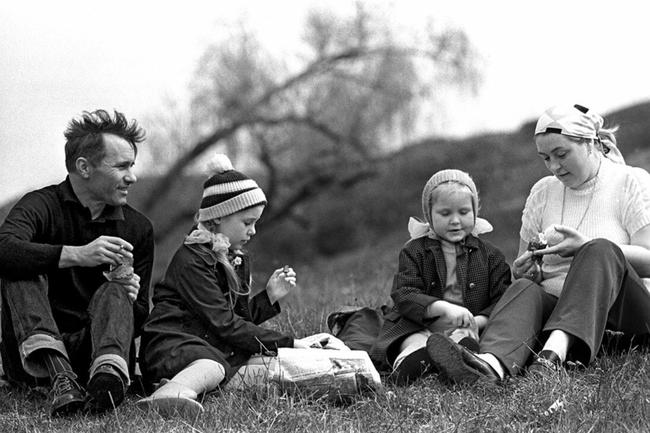 Лидия Федосеева с семьей