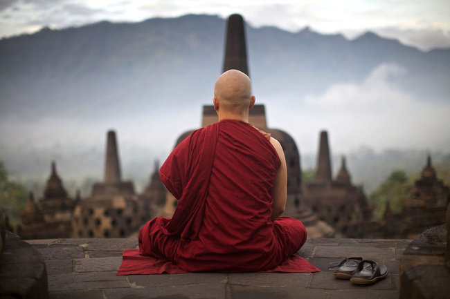 Тибетский монах, медитация