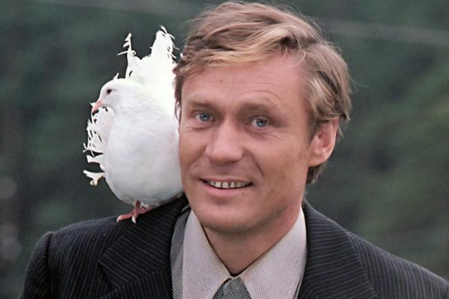 Александр Михайлов «Любовь и голуби»